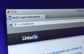 Mark Bullock of phoneBlogger.net and Practice Marketing Advisors explains LinkedIn group dynamics.