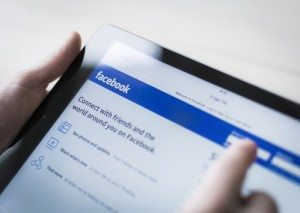 Facebook's Instant Articles: Useful for Professional Services? by Mark Bullock