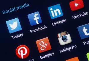 Apps to Make Social Media Less Time Consuming by Vikram Rajan